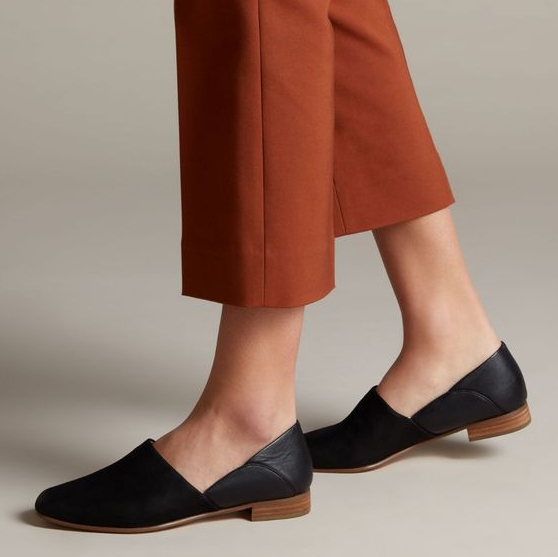 Clarks: Take an EXTRA 30% off all sale styles + Free Shipping!