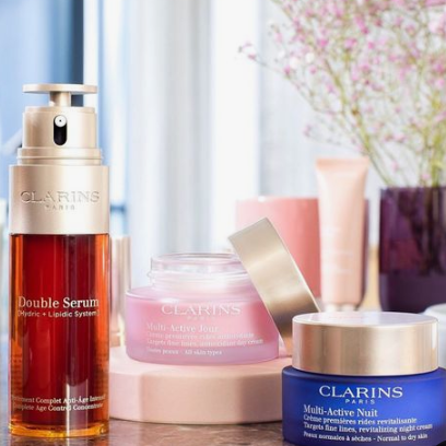 Hudson's Bay: Free 6-Piece Gift with the Purchase of 2 Clarins Products